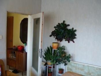 продавам 2 стаен апартамент в жк Суха река