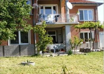 Reformed 4 bedroom property in excellent location, Bulgaria, near airport, near city, near ski resort, near Greece, For sale by owner!