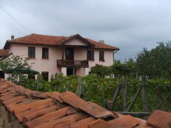 Two storey renovated house CLOSE TO HARMANLI