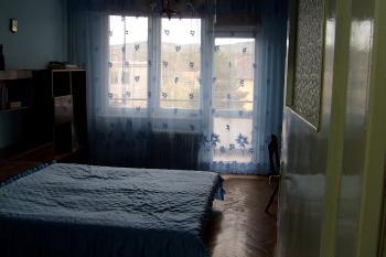 Тристаен апартамент мездра център в много добро състояние