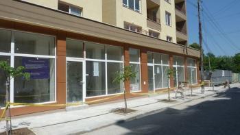 Търговски помещения / офиси в Зона Б18
