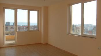 Тристаен апартамент в района на Левски, Варна
