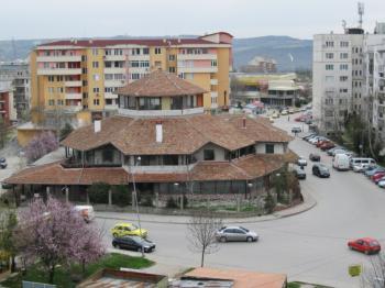 Бизнес сграда за продажба