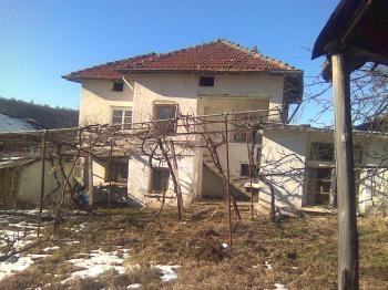 продавам кьща в село крапец община мездра