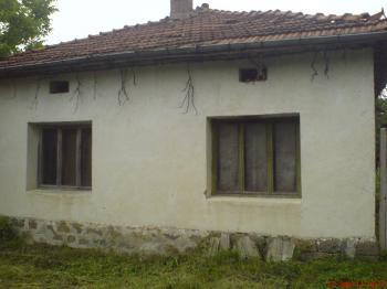 Продавам  къща в с.Сопот, област Ловеч