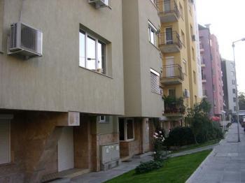 Тристаен апартамент в Лозенец