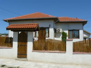Къща в село Сребърна