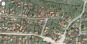 Две къщи с дворно място 2300кв.м