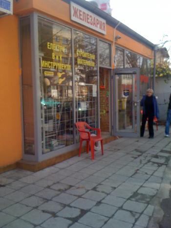 магазин под наем в Надежда-2 топ место-собственик