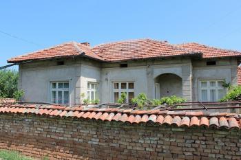Къща с двор - село Кара Михал
