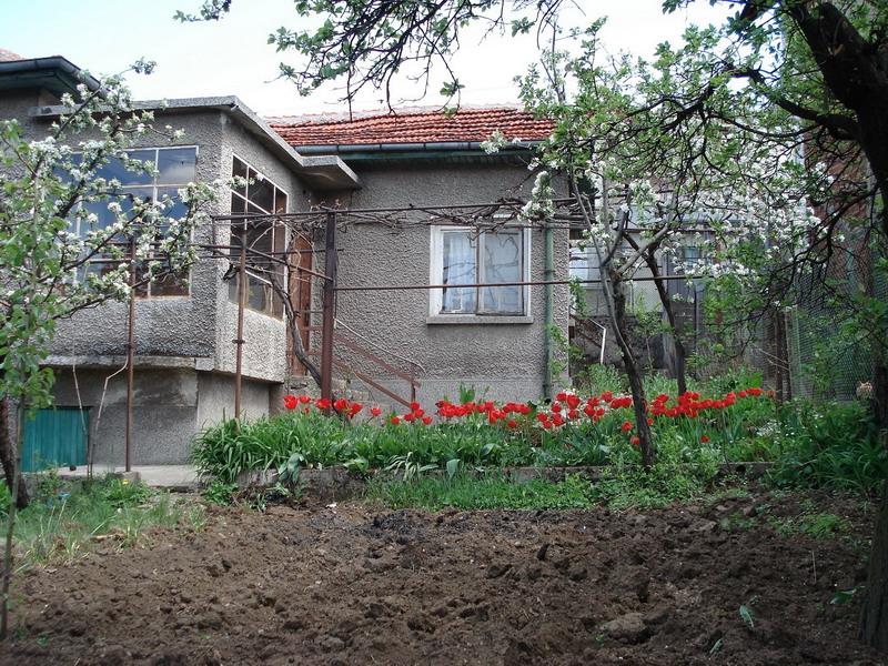 продавам къща 119 кв. м., гр. Дупница, на 10 мин. пеш от идеален център