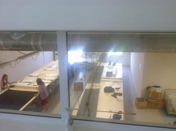 Работеща,новопостроена шивашка фабрика