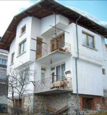 Продавам къща в село Стойките