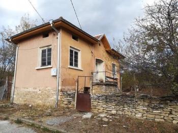 Къща в с.Долна Кременс