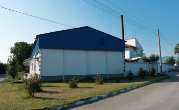 Продава се мандра в с. Юнаците, на 6 км. от гр. Пазарджик