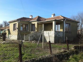 Къща в село Генерал Кантарджиево