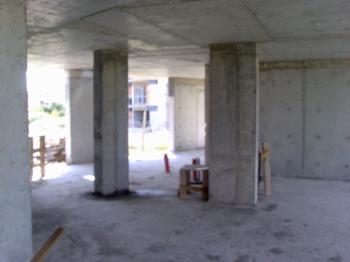 Продавам/давам срещу обещетение/ парцел 720 кв.м Равда, с план за строеж на жилищна сграда от 22 апартемента и построен първи етаж от сградата