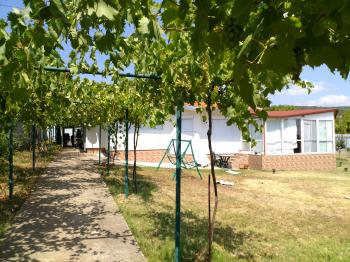 Продава еднофамилна къща в село Хрищени, област Стара Загора - 185 000 EUR