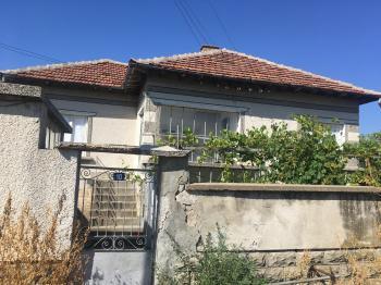 Продава Къща в Екзарх Йосиф