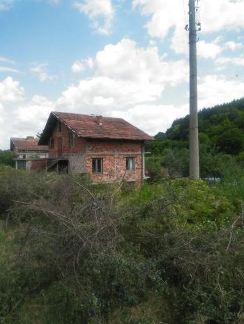Продава Къща в село Ялботина, област София