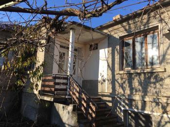 Продава Къща в село Ветрива, област Варна