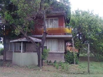 Продава Къща в с. Бъзън, област Русе