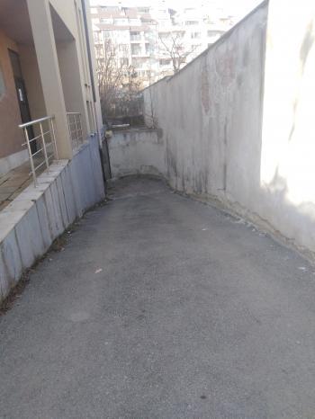 Под наем Гараж в Хиподлума, София