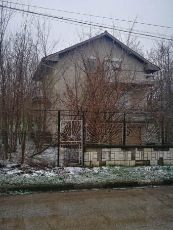 Продава Къща в с.Сираково