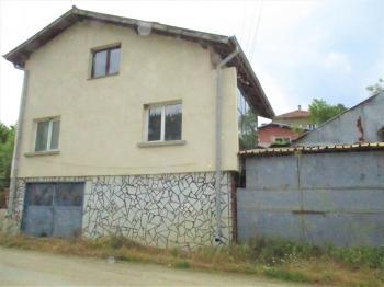 Продава Къща в село Клисура, област София