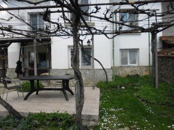 Продава Къща в село МИРКОВО, област СОФИЯ